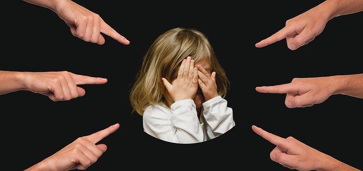 Als hoogsensitief kind sta je volledig open en komen de prikkels extra hard binnen.